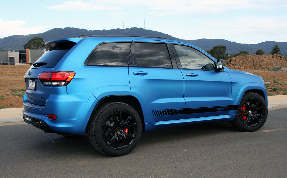 Custom Jeep Grand Cherokee >> Jeep Grand Cherokee wrapped in 3M Matte Metallic Blue ...